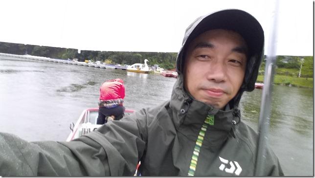 雨の亀山湖
