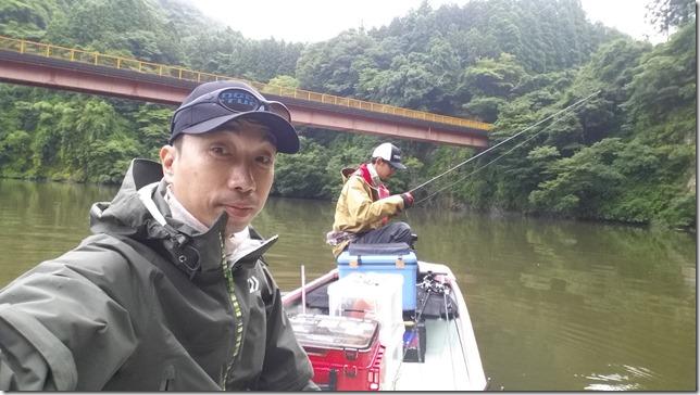 亀山湖KenDさんと