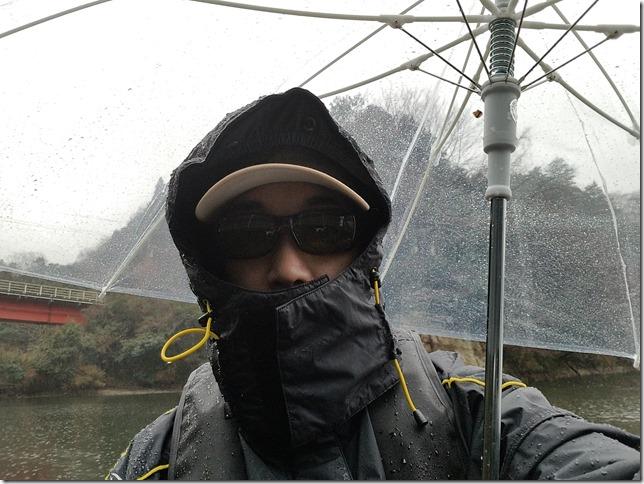 雨のバス釣り