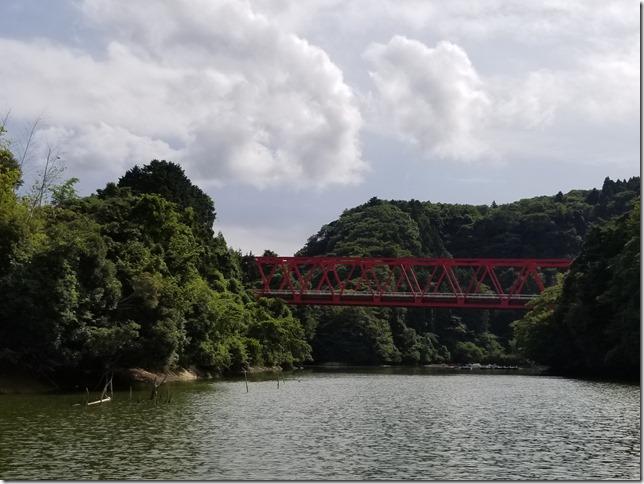 減水の亀山ダム
